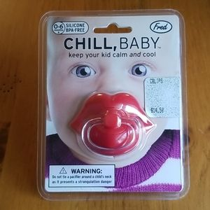 Fred chill baby lips pacifier